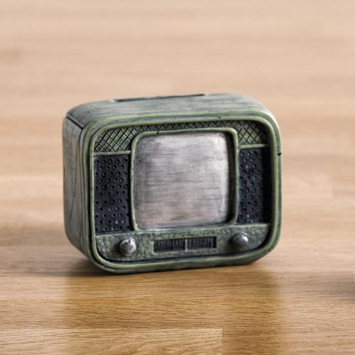 κουμπαράς-τηλεόραση-ρετρό