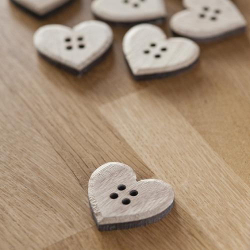 ξύλινα-κουμπιά-καρδιά
